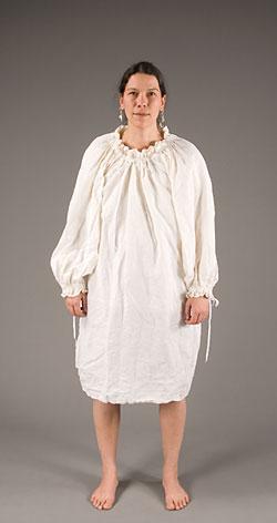W 244 Banaki Women S Clothing From 1800
