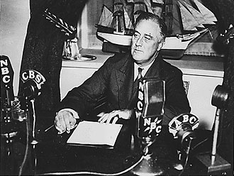 file:/activities/oralhistory/cappics/loving1929_fdr, alt: Roosevelt recording a fireside chat