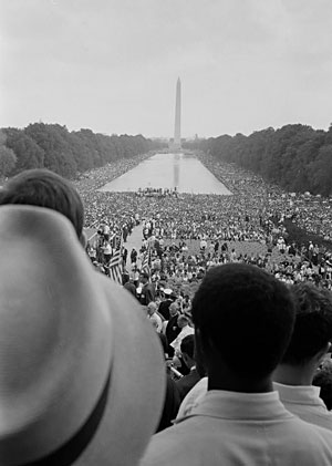file:/activities/oralhistory/cappics/romer1963_mall, alt: Protesters looking toward Washington Monument