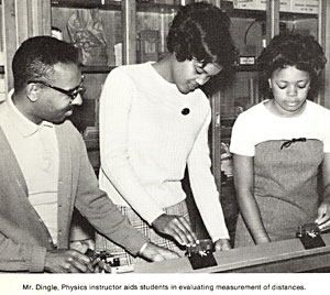 file:/activities/oralhistory/cappics/romer1969_students, alt: Bernie Dingle with students